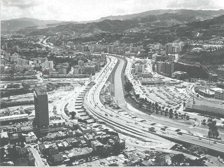 Autopista del Este hacia Colinas de Bello Monte