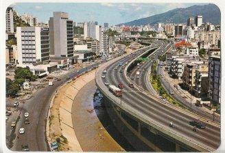 Autopista del Este vista avenida principal de Colinas de Bello Monte