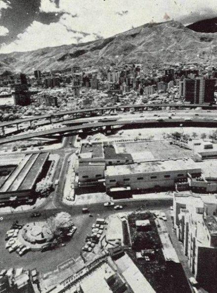 Vista aérea de Sears de Colinas de Bello Monte
