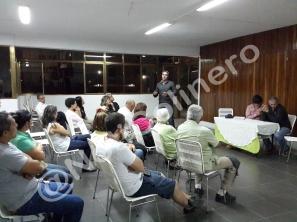 Concejal Luis Somaza conversa con vecinos de Colinas de Bello Monte | Foto: Luis Carlos Silva