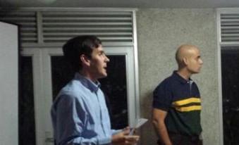 Concejal Luis Aguilar junto a Jesús Guevara